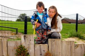 Winsford mum blasts housing trust after son, 4, splits head open on rotten stump
